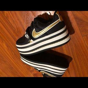 Nike x Nordstrom Black/white/gold wedge
